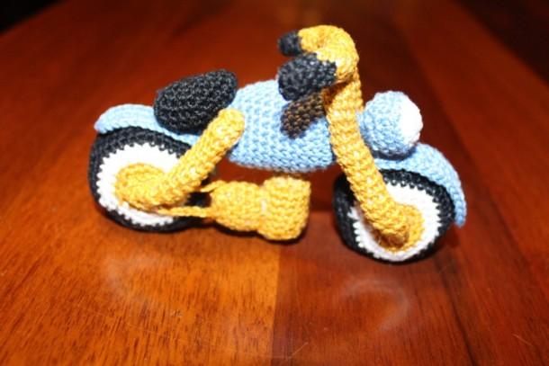 motocicletta schema gratis tutorial uncinetto amigurumi