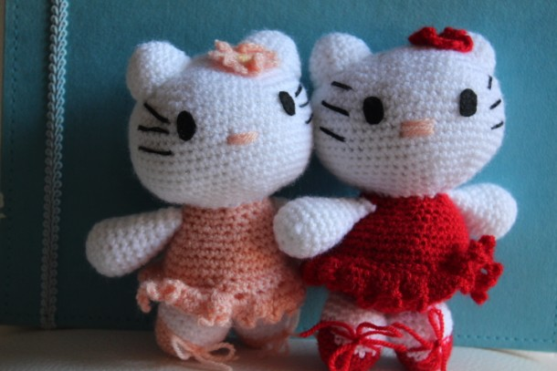 Hello kitty amigurumi verde smeraldo tutorial schema gratis crochet